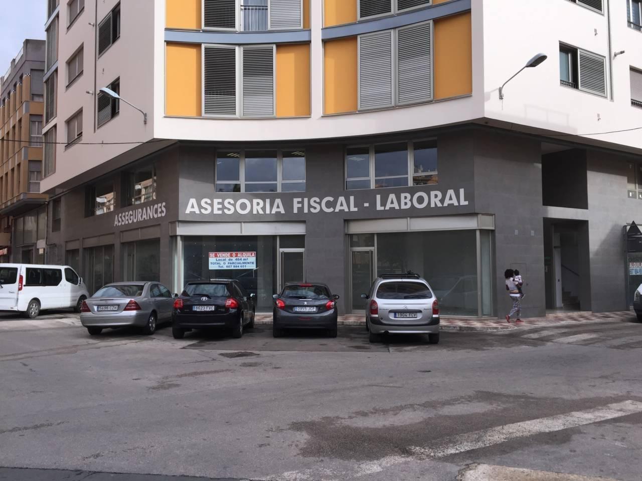 Business premise  Calle valencia/ levante. Superf. 461.63 m², 464 m² solar, accesibilidad, tipo de negocio