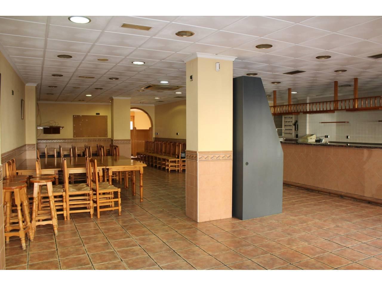 Business premise  Calle barranc, 42. Local comercial en planta baja, superficie total 174 m², superfi