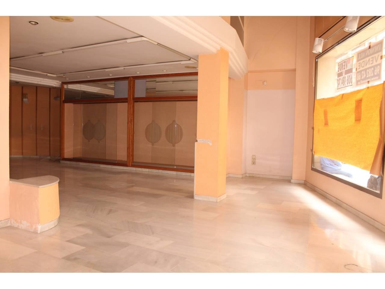 Business premise  Avenida germanias. Altura piso seleccionar, local comercial superficie total 174 m²