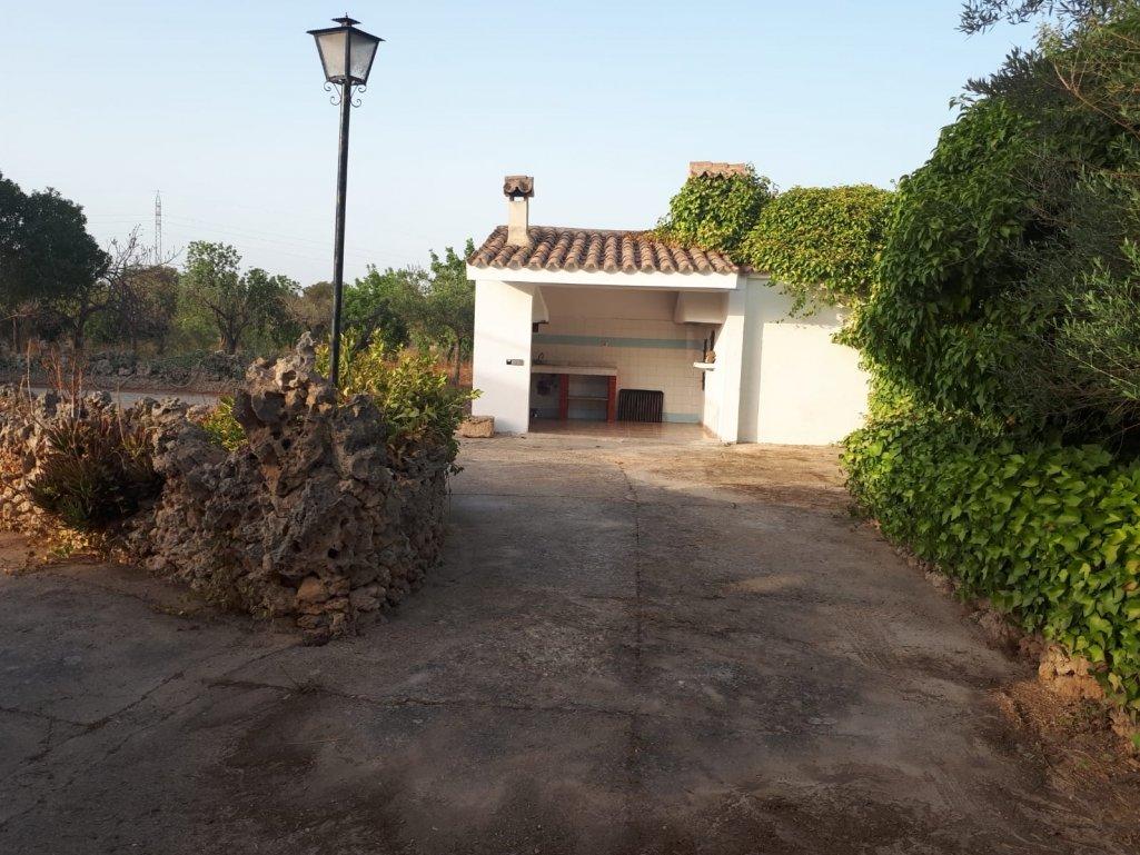 Haus  Inca. Finca con piscina y licencia de alquiler turistica