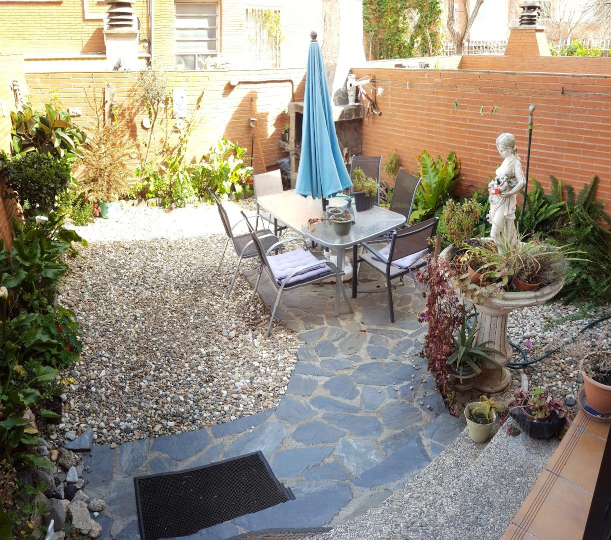 Lloguer Casa  Carrer matagalls. Alquiler de preciosa casa en morera con 40m2. de jardín amueblad