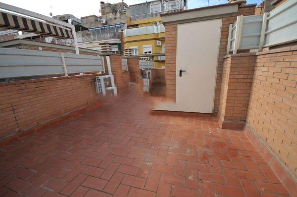 Alquiler Casa  Calle uva. Hospitalet santa eulalia casa dúplex de 140  4 hab y 3 baños con