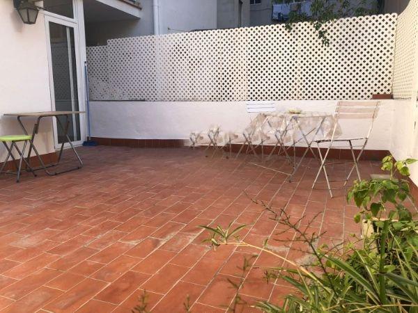 Lloguer Pis  Calle violant hungria. Violant hungria en sants de 3 hab amueblado con terraza de 30 m2