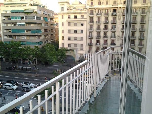 Lloguer Pis  Calle gran vía. Gran vía en hostafrancs 1 hab amueblado con balcón grande