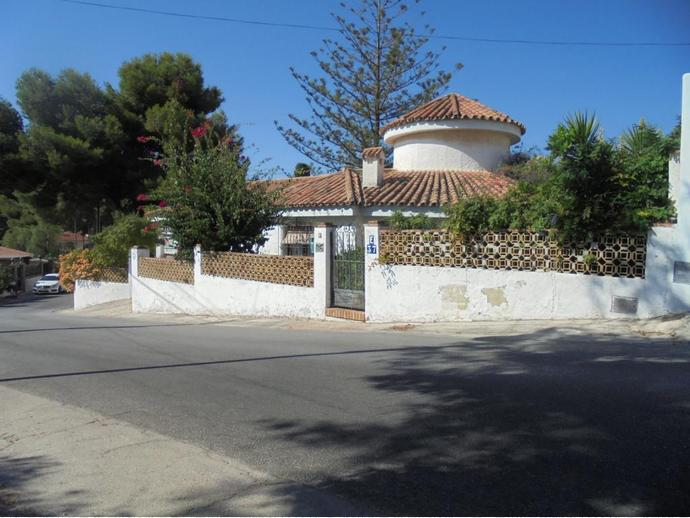 Foto 1 de Chalet en Calle Java / Puerto de la Torre - Atabal, Málaga Capital
