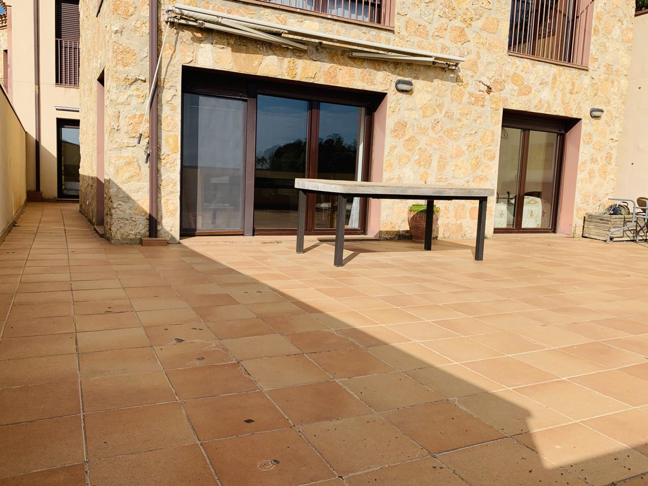 Piso  Vilanova de prades. Piso ámplio y súper luminoso de 92 metros útiles + terraza de 98