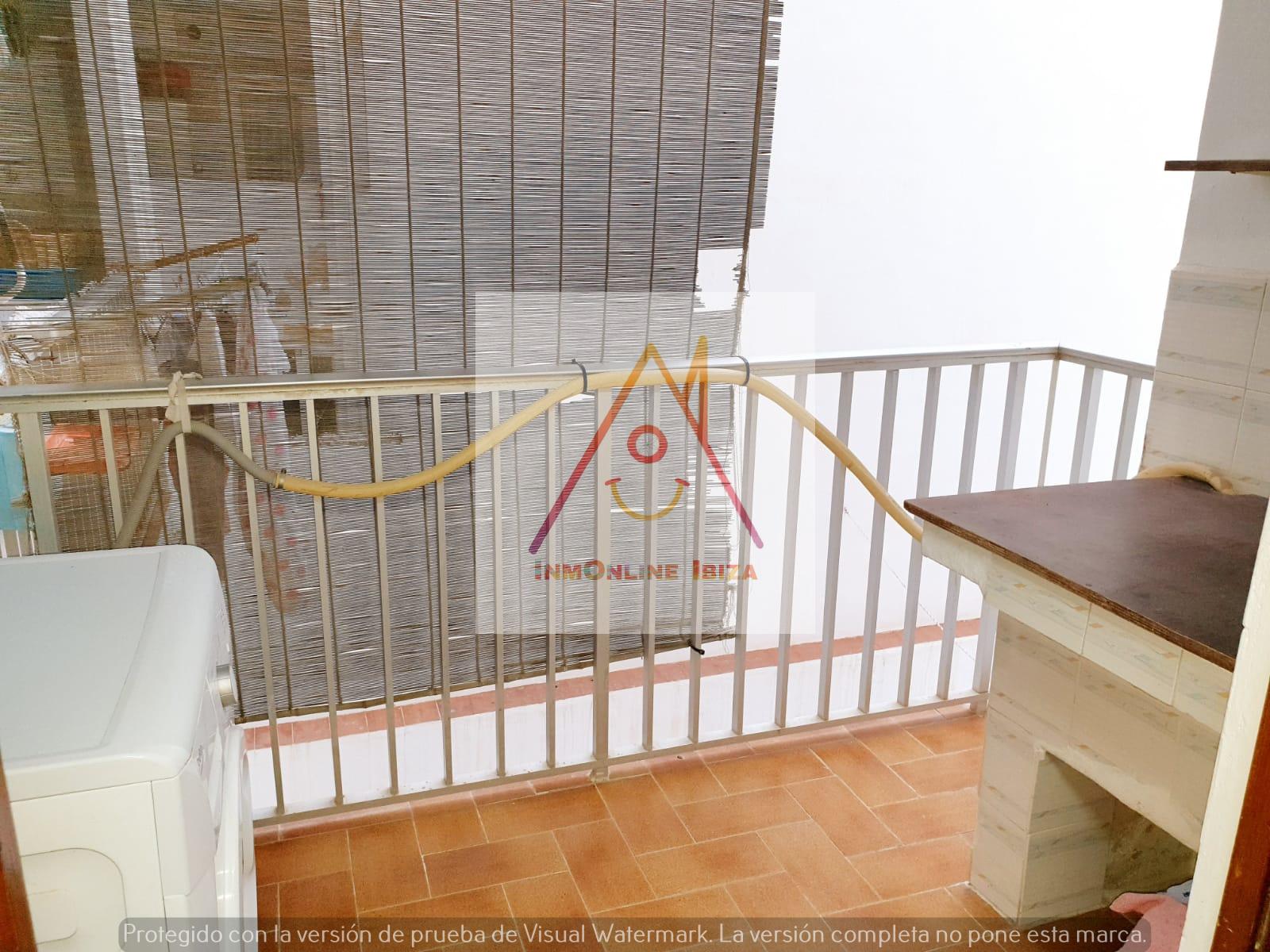 Rent Flat  Sant antoni de portmany. Estupendo apartamento con terraza en san antonio