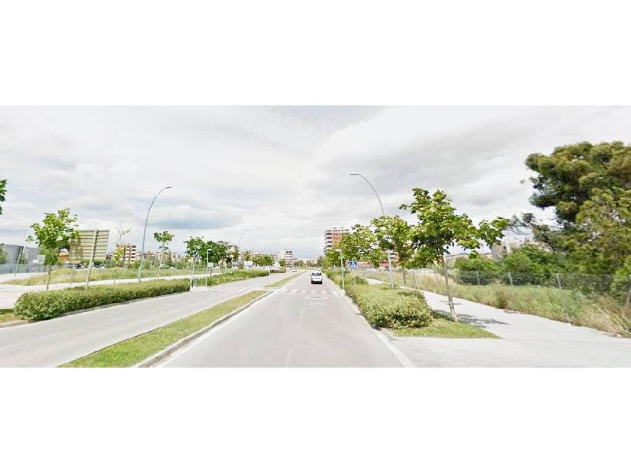 Solar urbano  Calle alfons more. 1191 m² solar, asfaltado, edificable, esquina.