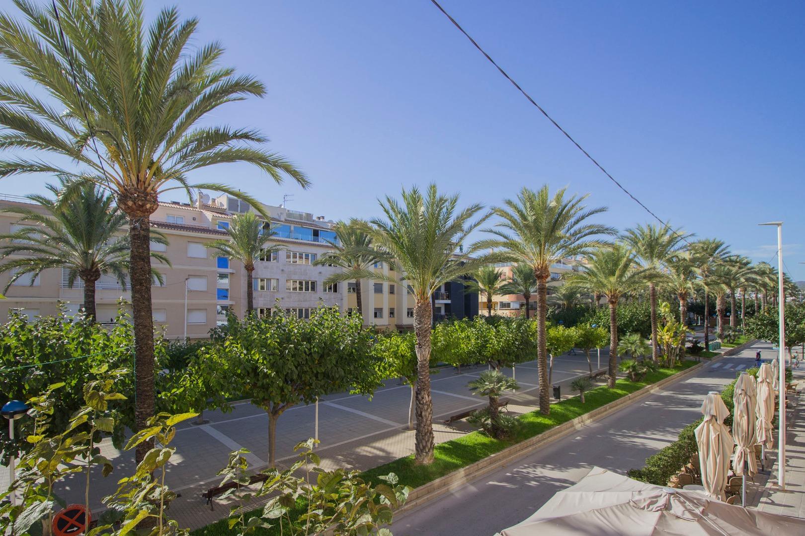 Lloguer Pis  Avenida de la paz, 13. Apartamento anita en primera linea del mar