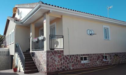 Viviendas y casas en venta en Lominchar