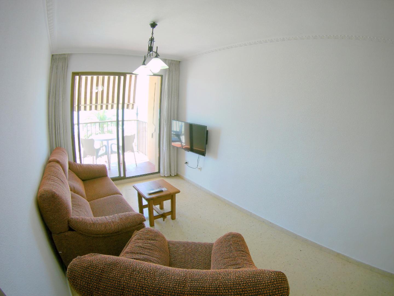 Miete Etagenwohnung  Calle galotxa. Alquiler de apartamento de 3 habitaciones y 2 baños en la urbani