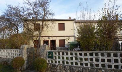 Casa adosada en venta en Valle de Losa