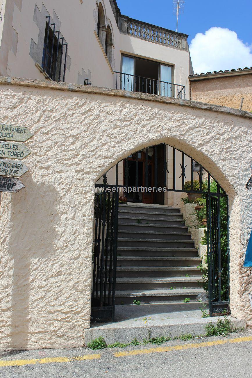 Maison  Calle mirador. Se vende casa rustica en sineu