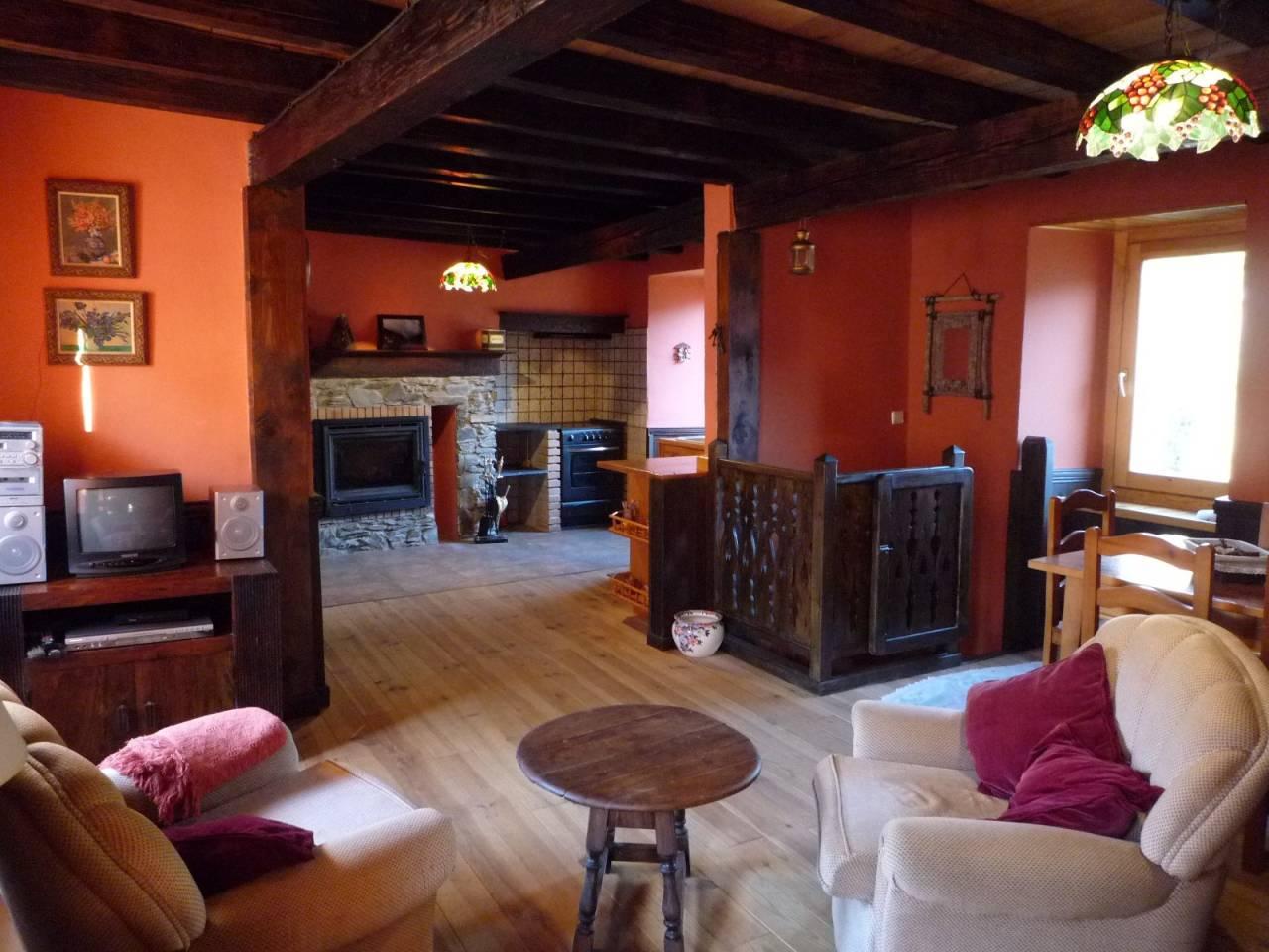 Casa  Calle santa lucia. Superf. 100 m², 100 m² solar,  2 habitaciones (2 dobles),  2 bañ