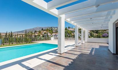 Viviendas en venta con piscina en España