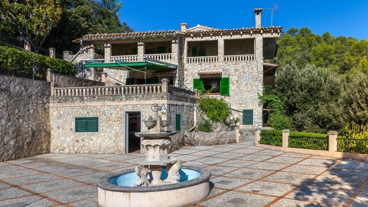 Casa  Es guix Escorca. Los 4.345 m2 de parcela albergan una espectacular casa de 250 m2