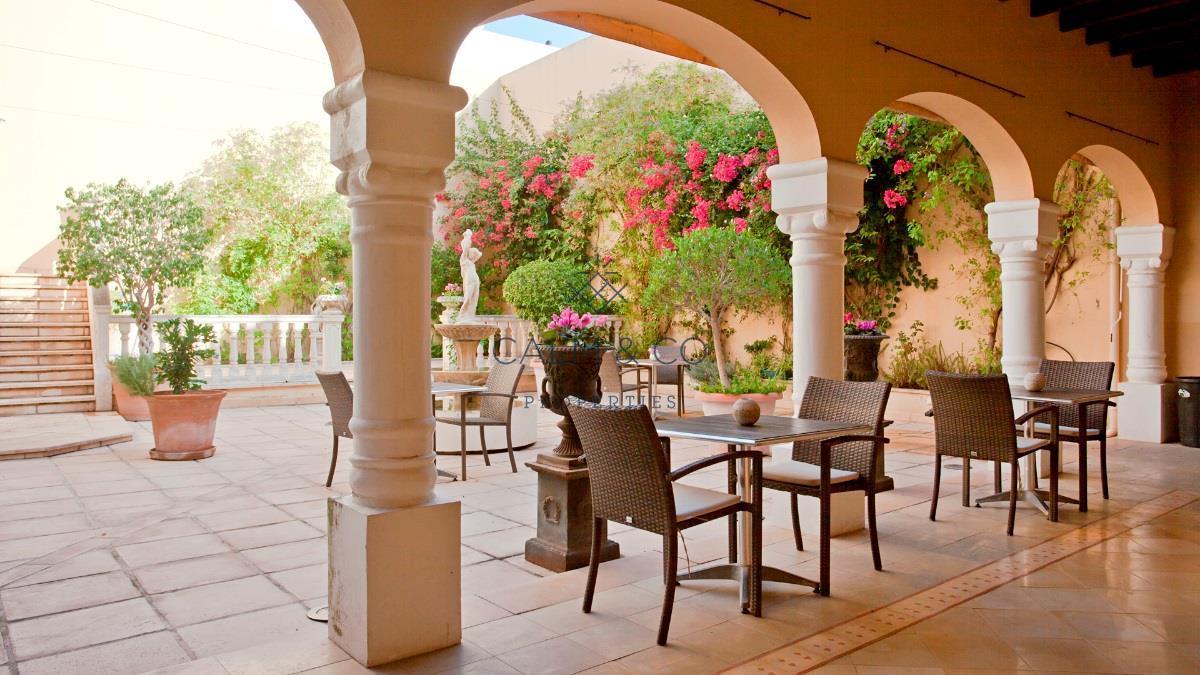 Édifice à Sa Pobla. Precioso hotel de exquisita decoración y actualmente en funciona