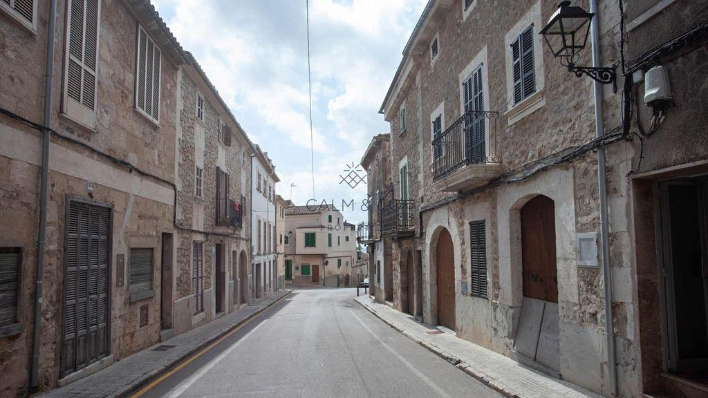Maison  Llorenç riber. Amplia casa de pueblo con dos entradas independientes en campane