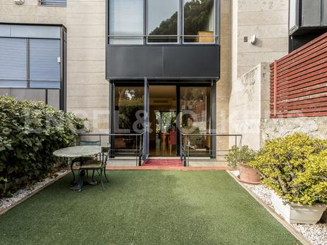 Single family semi detached to rent with lift at España