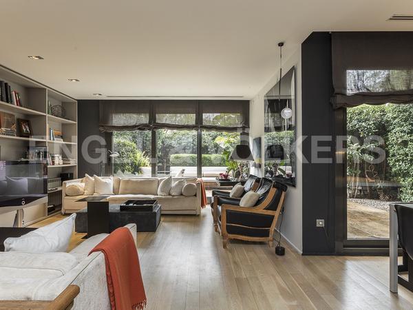 Casas en venta con ascensor en Barcelona Capital
