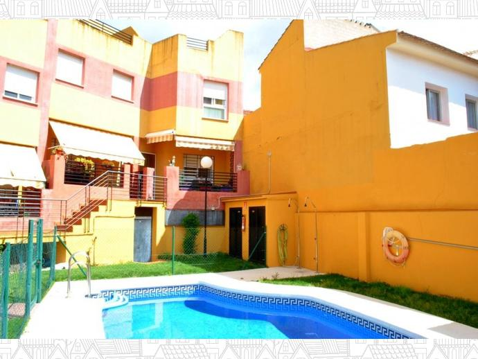 Foto 2 de Casa adosada en Calle Uranio 12 / Puerto de la Torre - Atabal, Málaga Capital