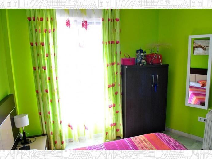 Foto 37 de Casa adosada en Calle Uranio 12 / Puerto de la Torre - Atabal, Málaga Capital