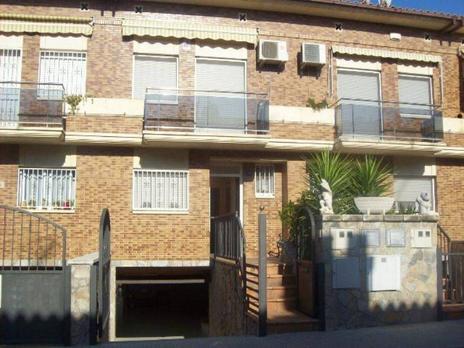Casas adosadas de alquiler con terraza en Barcelona Provincia
