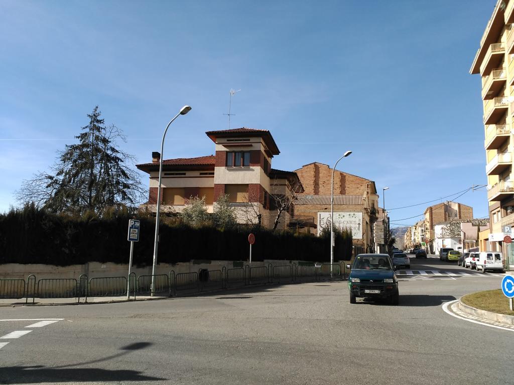 Lloguer Casa  Calle tarragona. Chalet de lujo en Tremp