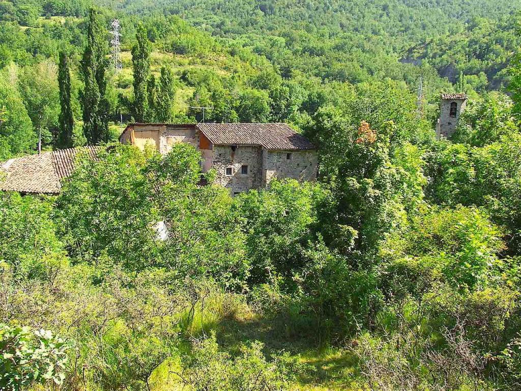 Casa  Cadolla. Masía centenaria con 6 terrenos de regadío y un molino en un lug