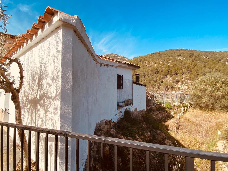Maison  Ludiente. Tu casa con vistas de 360 grados a la montaña y al rio