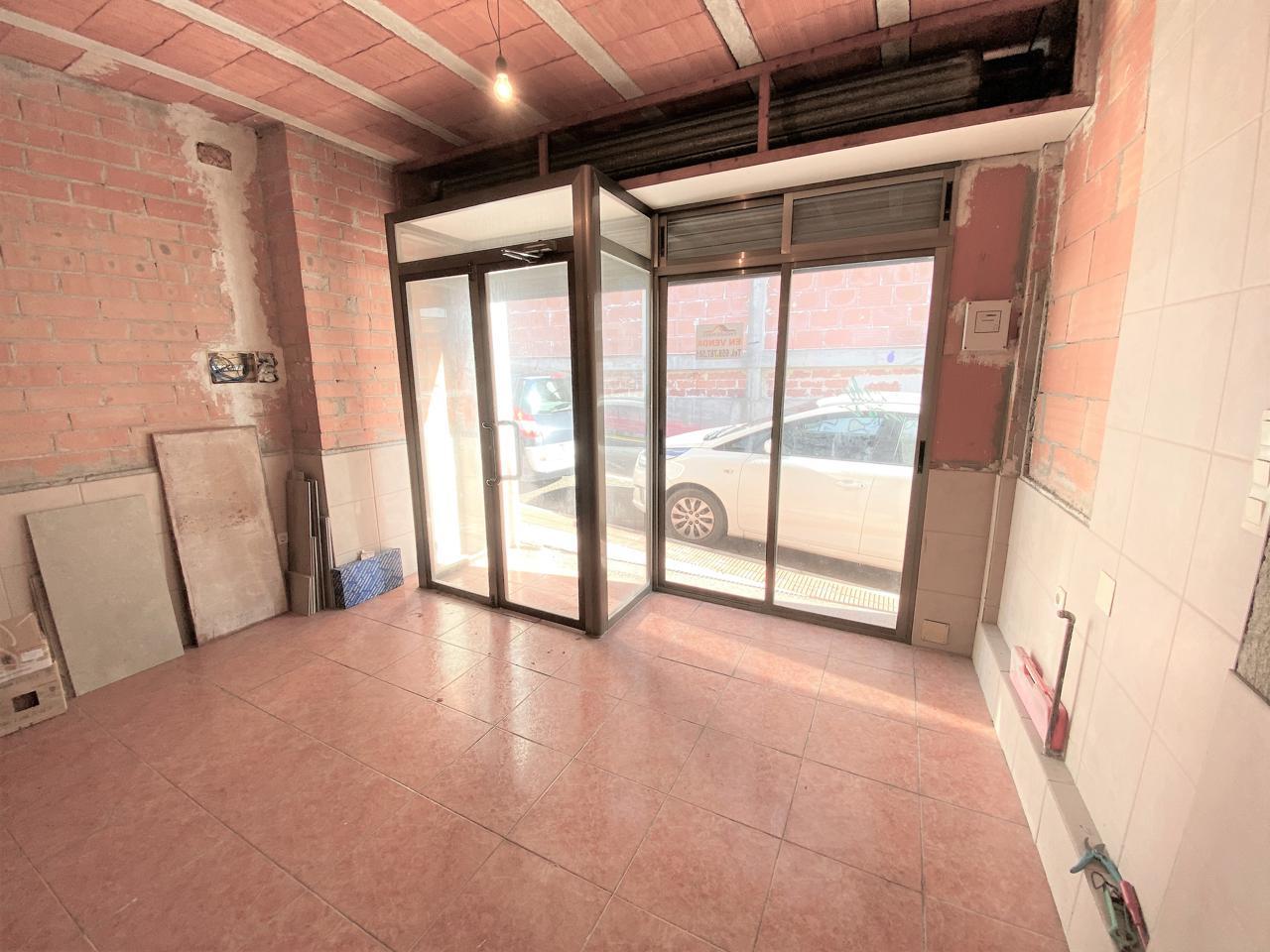 Local Comercial en Pallaresos (Els). Local situado en el centro dels pallaresos de 169m2, dispone de