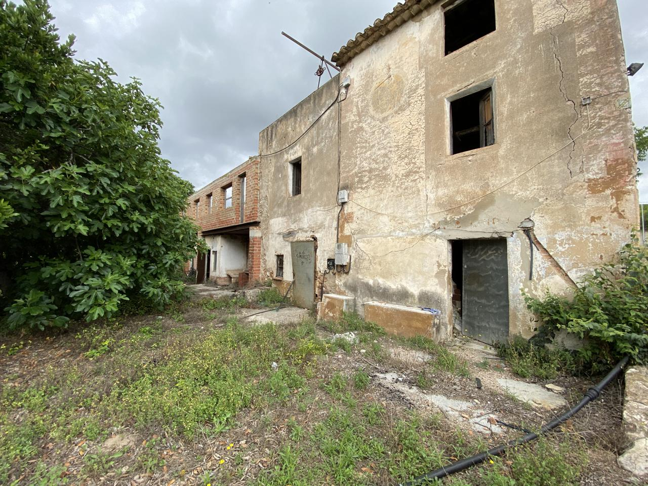 Solar urbano  Carretera d'alcover. Terreny en venda situat a prop de valls, 43800 (tarragona), c/al
