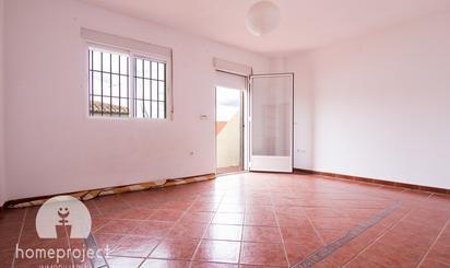 Casa adosada de alquiler en Avenida de la Libertad, Barrio de la Vega