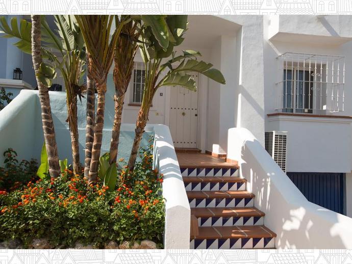 Foto 1 de Casa adosada en  Calle Auriga 5 / Los Naranjos - Las Brisas, Marbella