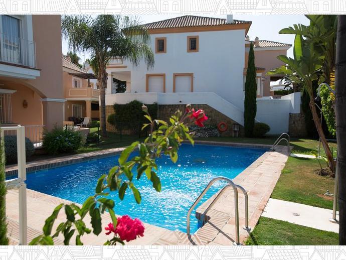 Foto 2 de Casa adosada en  Calle Auriga 5 / Los Naranjos - Las Brisas, Marbella