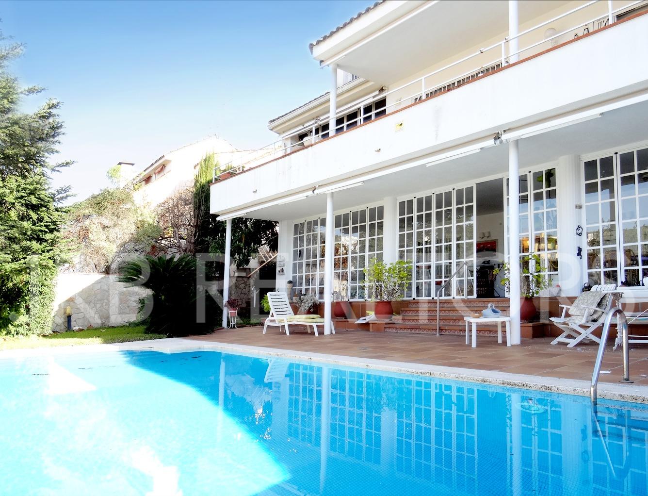 Casa  Sant andreu de llavaneres, zona de - sant andreu de llavaneres. Preciosa casa en st andreu de llavaneres, amplios espacios y est