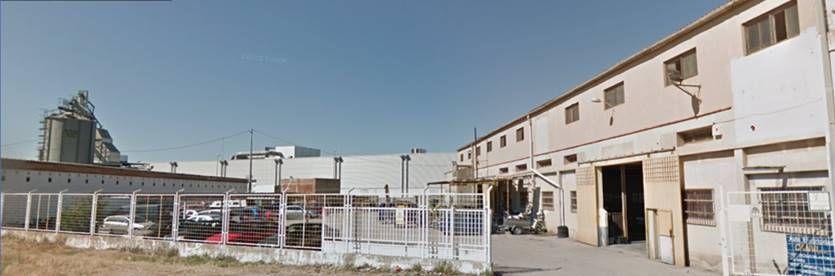 Bâtiment à usage industriel dans Sueca. Nave y campa