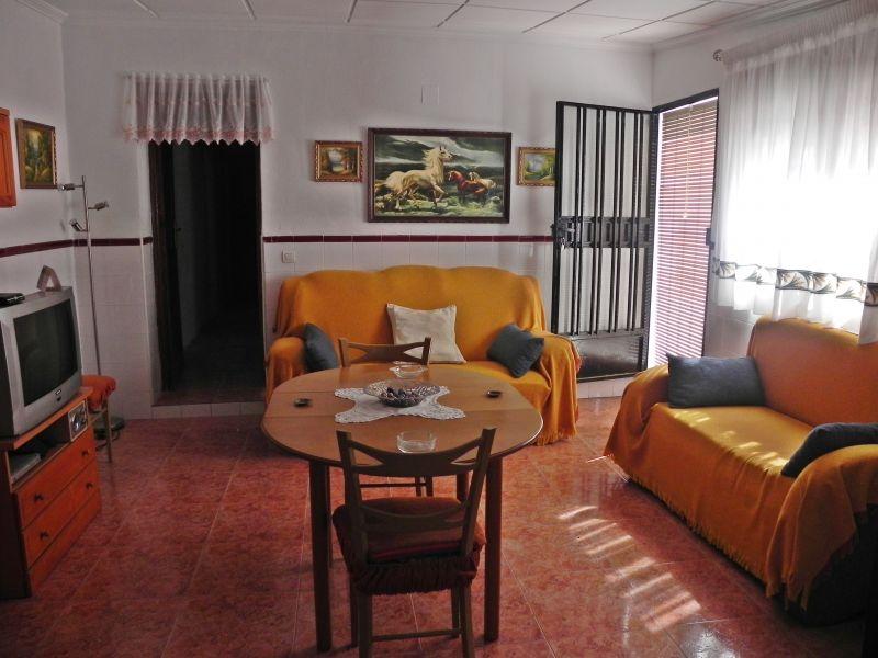 Casa  Benejuzar ,huerta. Casa en zona rural, amplia semireformada.