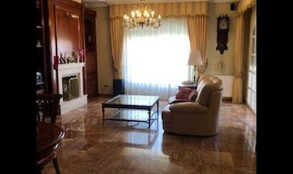 Homes and houses for sale with terrace at Almensilla