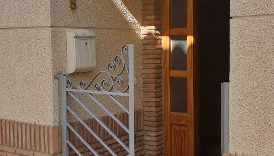 Foto 1 de Casa adosada en venta en Calle Mariana Pineda Otura, Granada
