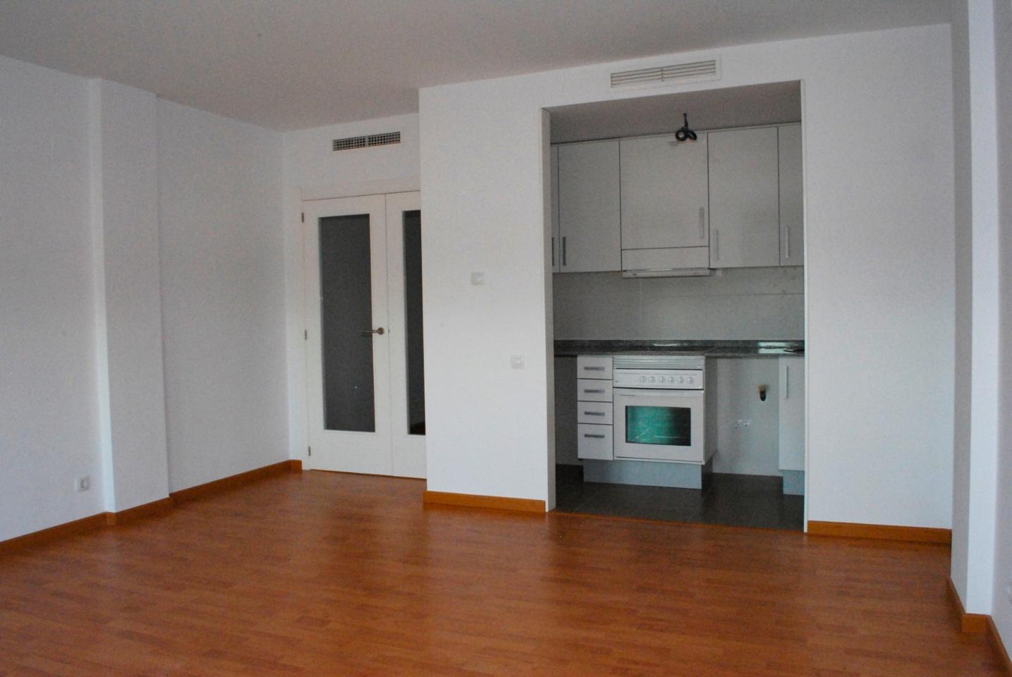 Pis a Villar del Arzobispo. Este piso se encuentra en benaguacil, valencia, en la planta 1.
