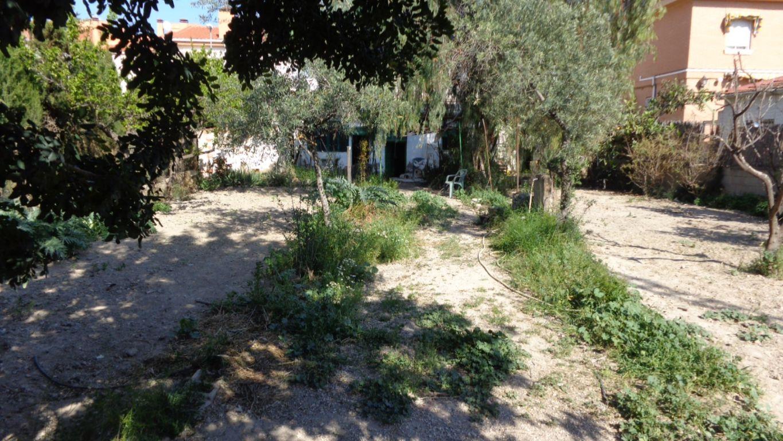 Solar urbano  Petrer ,av. mediterráneo. Ocasion