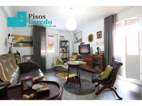 Inmuebles de PISOS LAREDO en venta en España