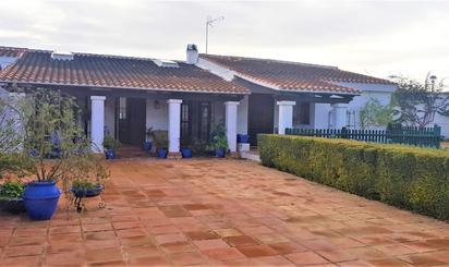 Viviendas en venta con piscina en Sevilla Provincia