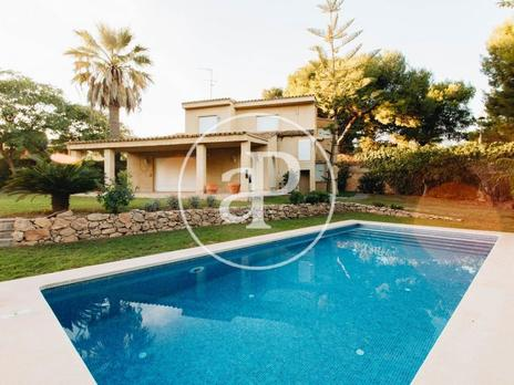 Homes to rent at Rocafort