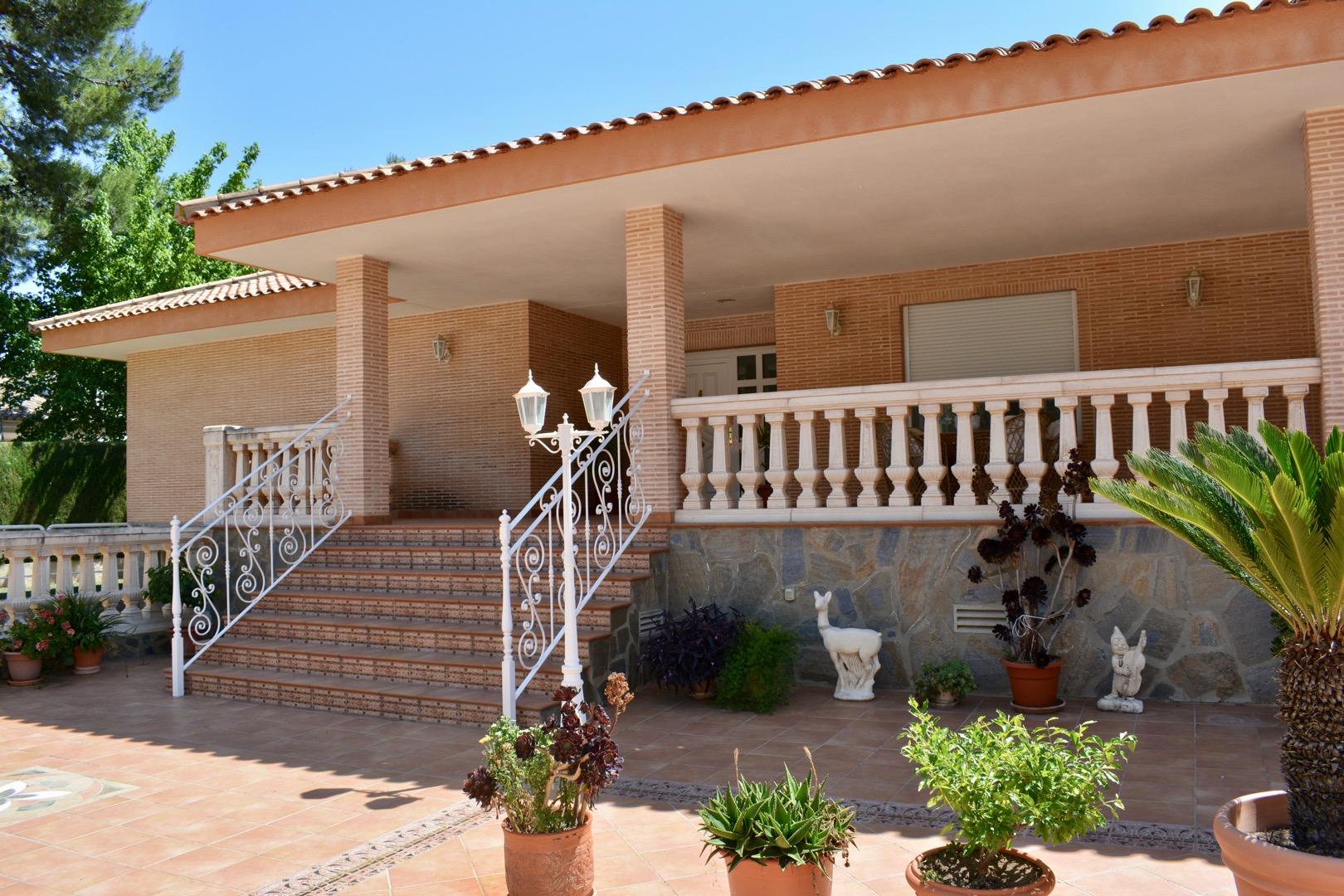 Casa  Serra, zona torre de porta coeli