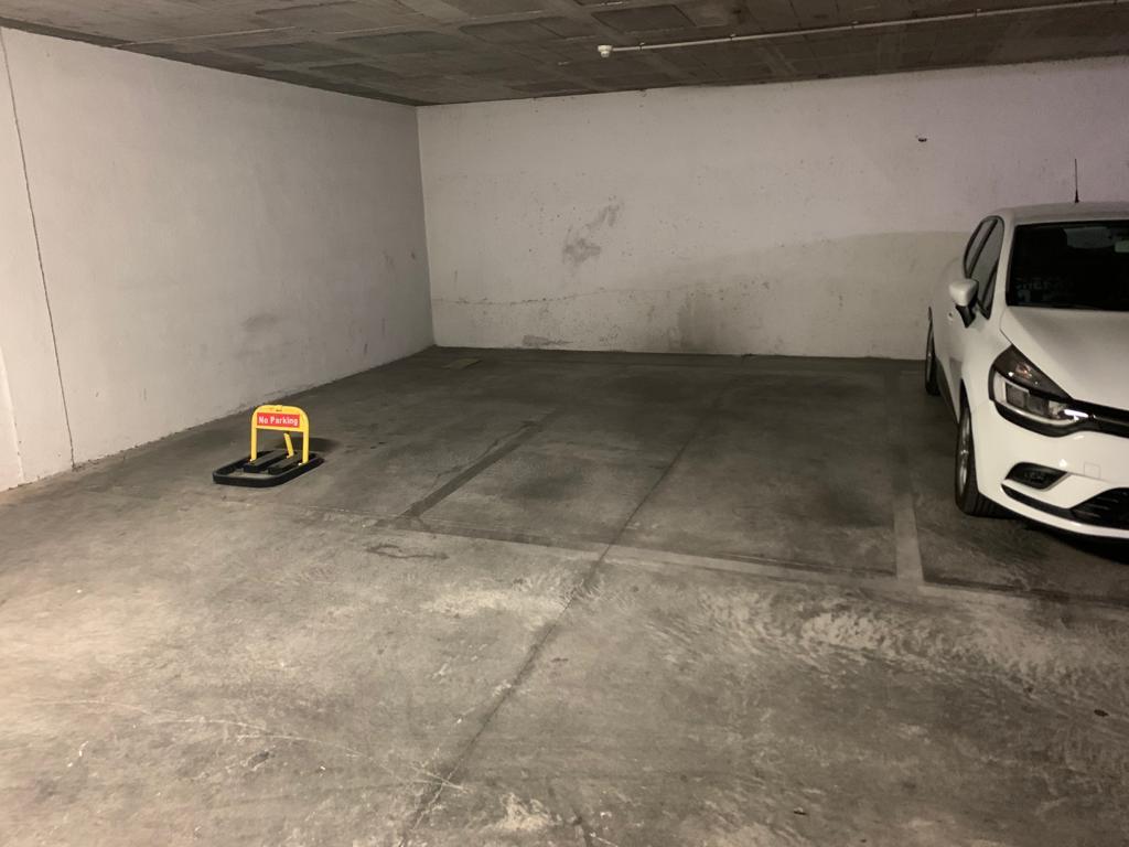 Alquiler Parking coche  Carrer aragó, 202. Plaza de aparcamiento en calle aragon