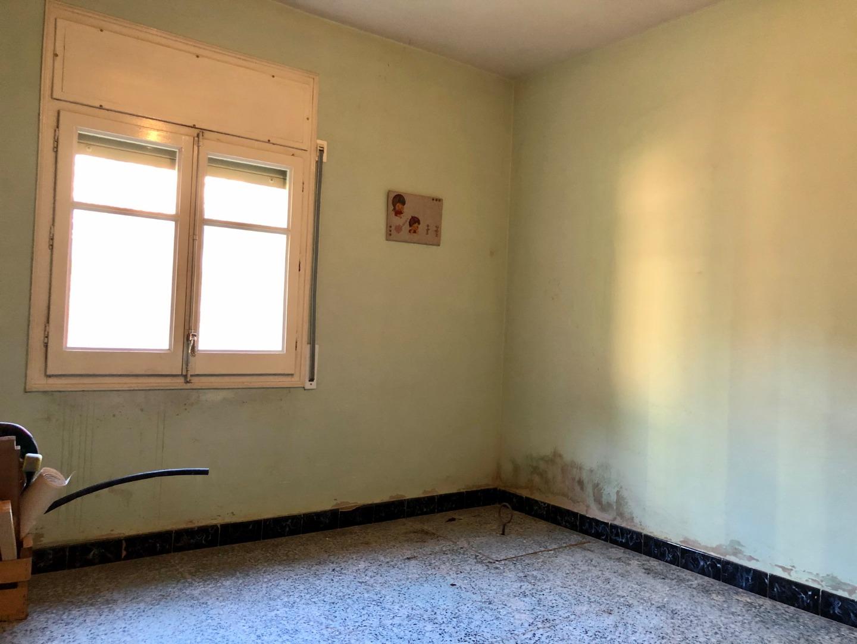 Casa  Carrer via ferrea, 34. Vivienda en planta baja y primer piso, en parcela de 430m2