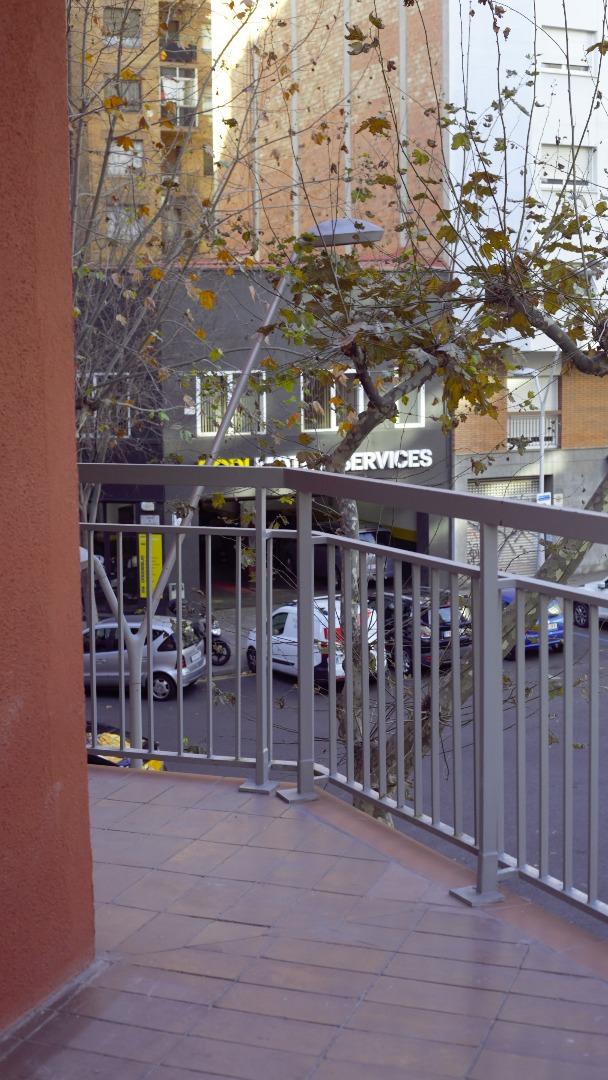 Lloguer Pis  Calle corssega, 60. Piso + pk con ascensor de acceso directo.  en alquiler.  esquer