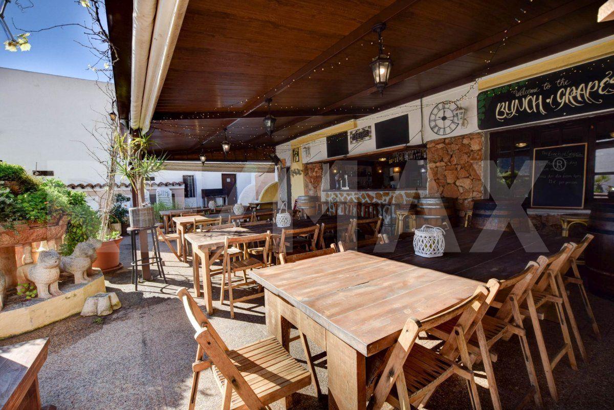 Business premise  Santa eulalia del rio ,santa eulalia del río. Oportunidad de negocio en ibiza. poseer un bar completo y listo